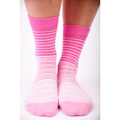 Női bokazokni színátmenetes rózsaszín csíkos