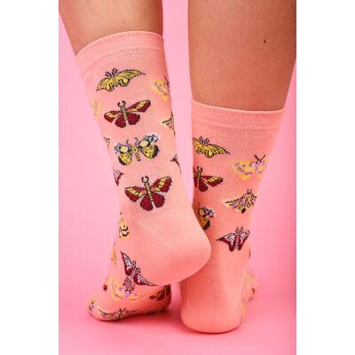 Női bokazokni pillangók