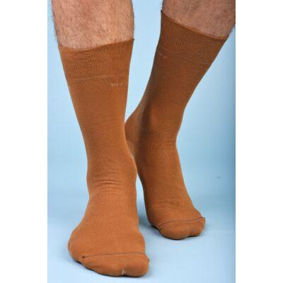 Férfi elegáns bokazokni lágy gumírozással okker barna
