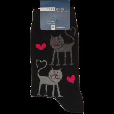 Mintás bokazokni szürke cicák fekete pink szívekkel