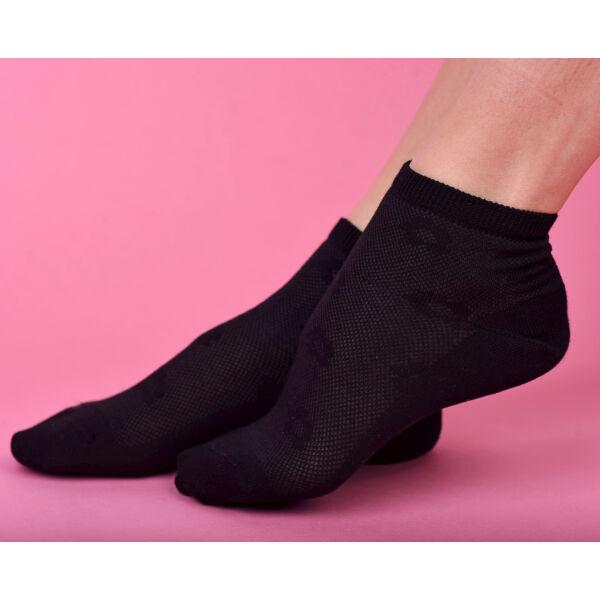 Rövidszárú női zokni  fekete áttört virágos